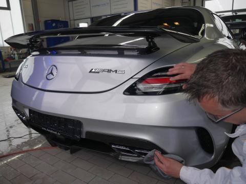 Handwaesche Trocknen Lackaufbereitung Muenchen Mercedes Sls 03