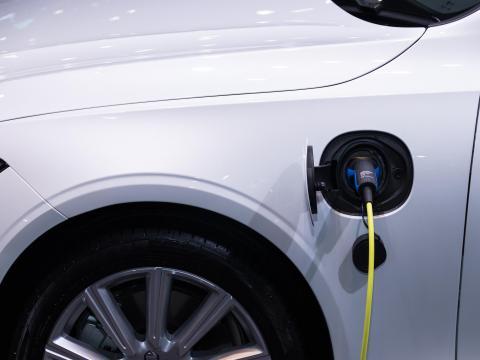 Hybrid Auto Till Laden