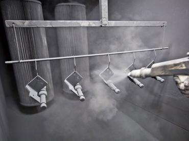 Bear Lock Produktion Pulverbeschichtung