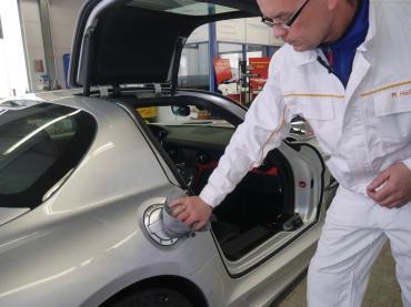 Handwaesche Trocknen Lackaufbereitung Muenchen Mercedes Sls 02