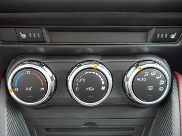 Mazda CX-3 Muenchen bei Auto Till - Klimaautomatik