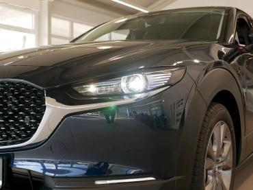Mazda CX-30 Selection Mitternachtsblau metallic Scheinwerfer