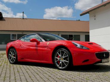 Nanoversiegelung Ferrari California T Rot
